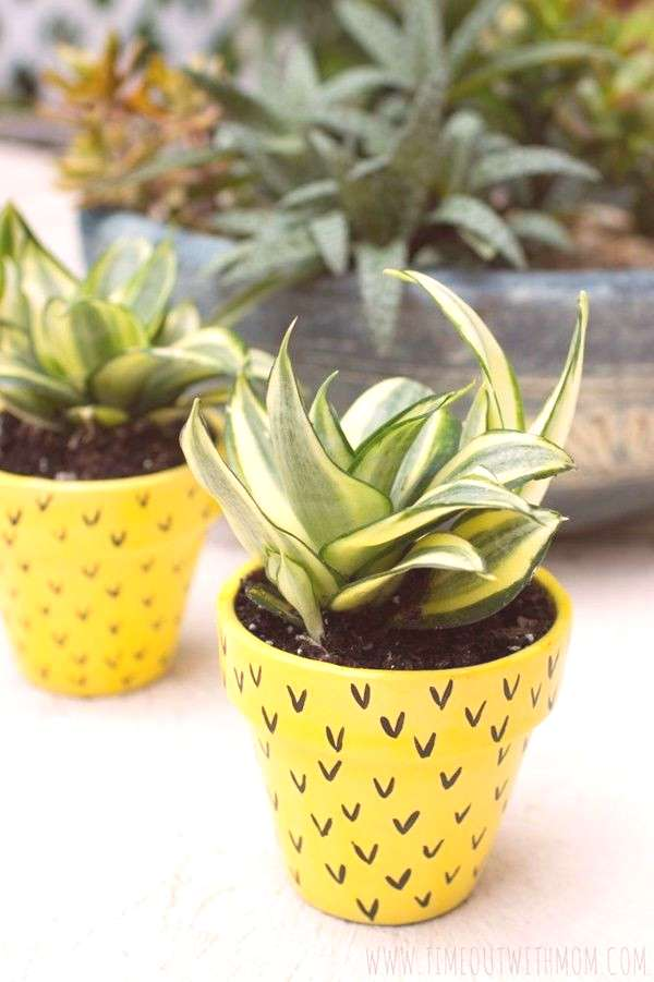 Flower-Pot-Painting-Ideas-And-Designs